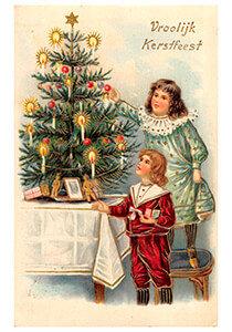 Postcard   Twee meisjes voor de kerstboom (Vroolijk Kerstfeest)