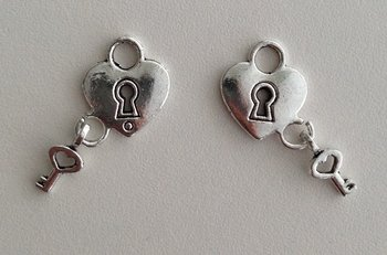 Tibetan Silver Tone Heart Lock-Key Charms Pendant