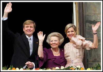 Museum Cards Postcard | Prinses Beatrix presenteert de nieuwe koning en koningin