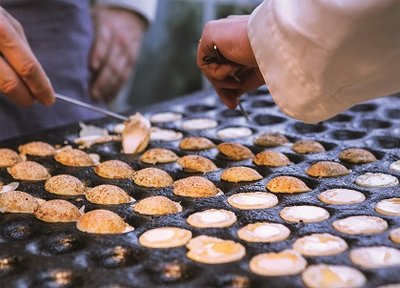 The Dutch Connection Postcard | Cooking Poffertjes